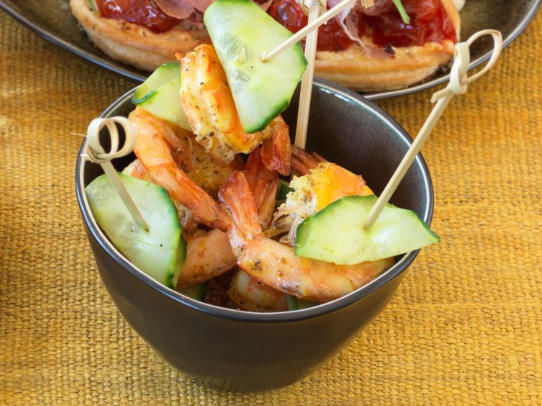 Mini-brochettes de gambas au curry
